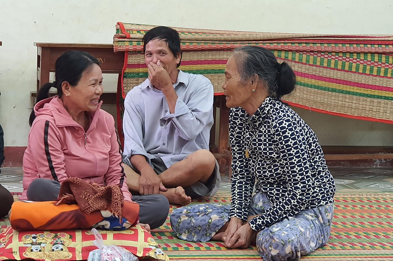 Bình Định: Hàng trăm nhà dân bị ngập 1m trong nước lũ - Ảnh 3.