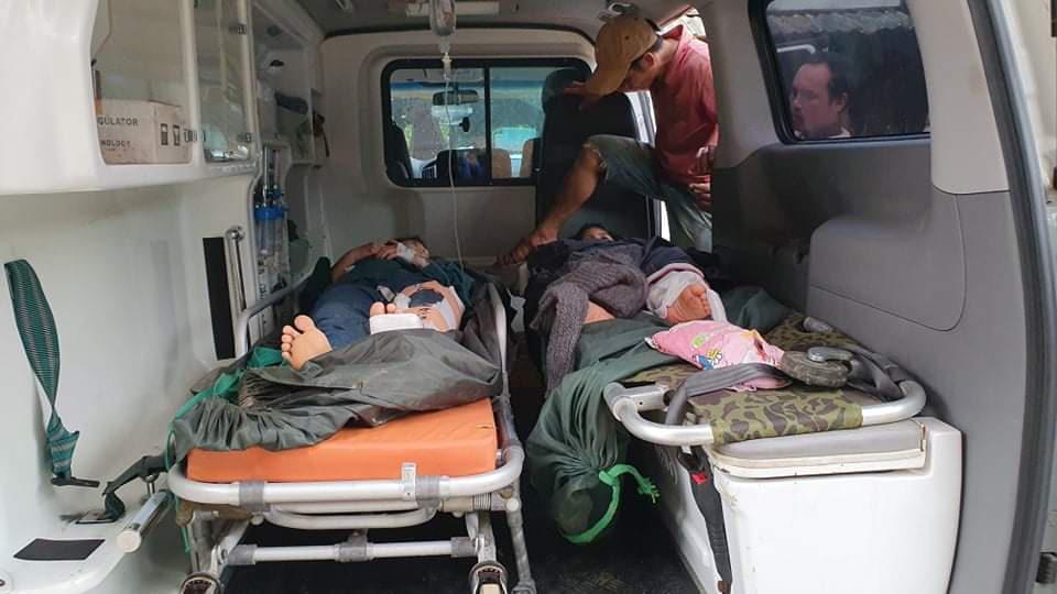Nóng: Nhanh chóng đưa người còn sống trong vụ sạt lở ở Nam Trà My đi cấp cứu - Ảnh 10.