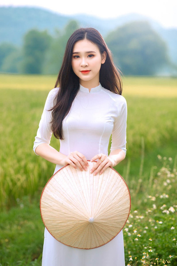 """5 thí sinh quyến rũ """"đốn tim"""" được đặc cách vào Bán kết Hoa hậu Việt Nam 2020 là ai? - Ảnh 8."""