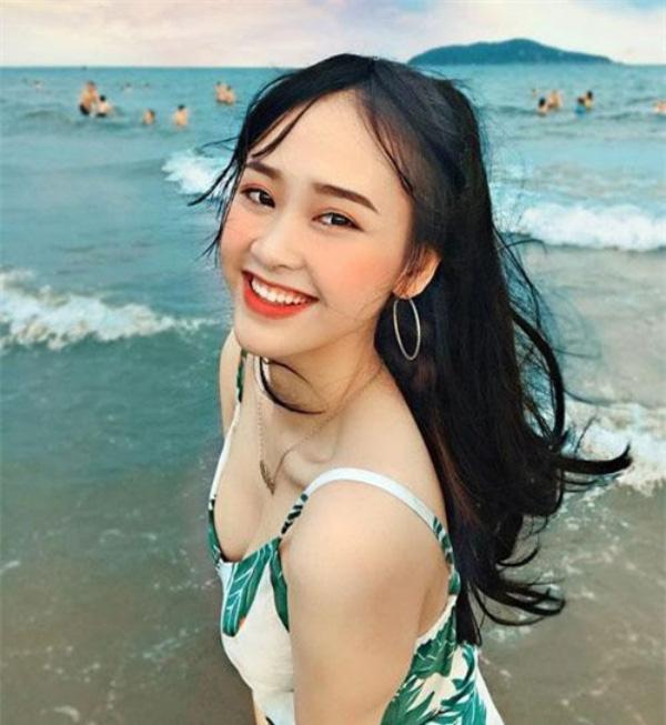 """5 thí sinh quyến rũ """"đốn tim"""" được đặc cách vào Bán kết Hoa hậu Việt Nam 2020 là ai? - Ảnh 10."""