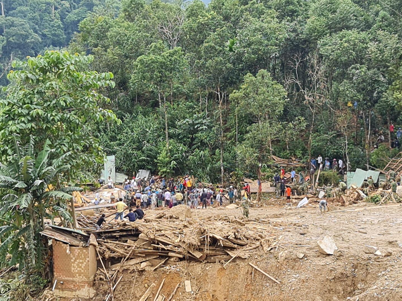 Sạt lở ở Quảng Nam: Chồng mất tích, tài sản còn lại là 19 con heo - Ảnh 3.
