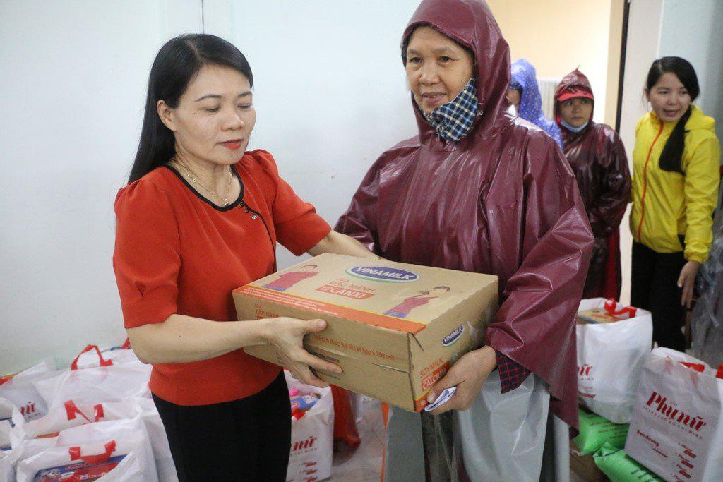 Người lao động Vinamilk góp gần 4 tỷ đồng ủng hộ nạn nhân bão lũ miền Trung - Ảnh 2.