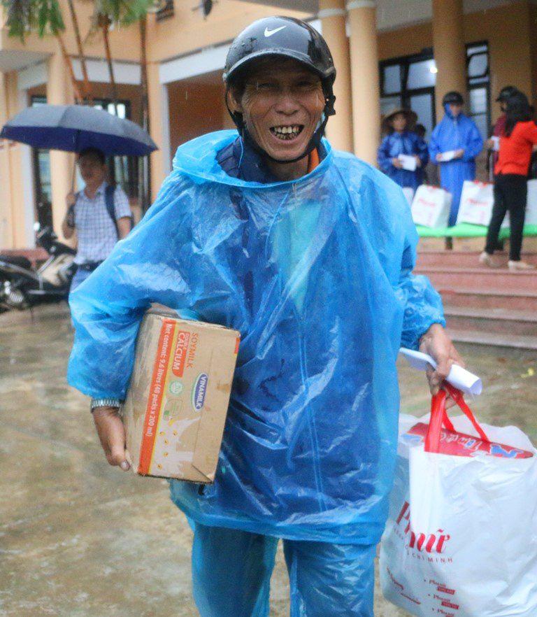 Người lao động Vinamilk góp gần 4 tỷ đồng ủng hộ nạn nhân bão lũ miền Trung - Ảnh 6.
