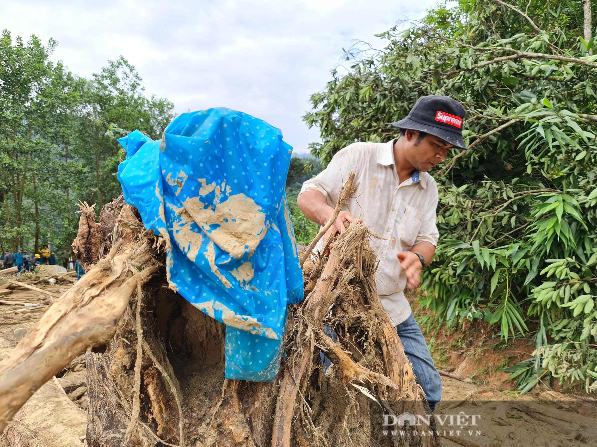 Sạt lở nghiên trọng ở Quảng Nam: Đẫm nước mắt nhìn cảnh tan nát ngôi làng Trà Leng - Ảnh 15.