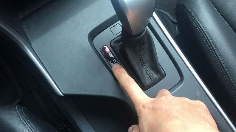 Muốn lái xe số tự động thuần thục hãy nhớ kĩ những điều này - Ảnh 2.
