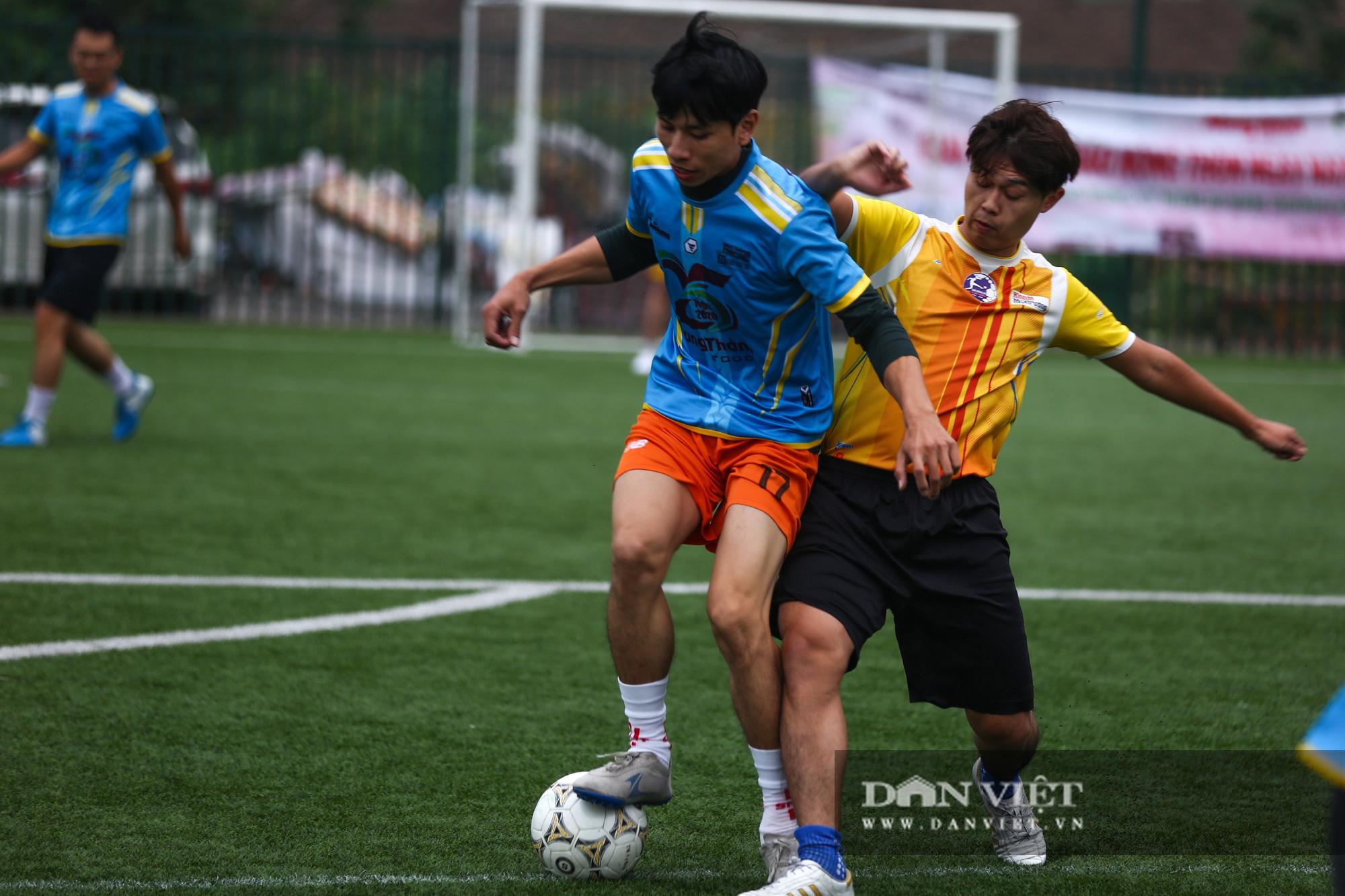 Khoảnh khắc lượt trận cuối cùng vòng bảng giải bóng đá báo NTNN/Dân Việt  - Ảnh 13.