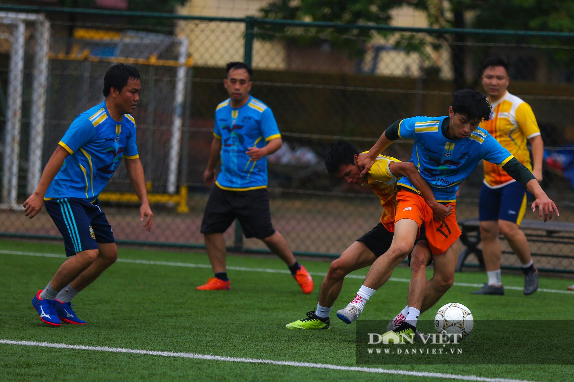 Khoảnh khắc lượt trận cuối cùng vòng bảng giải bóng đá báo NTNN/Dân Việt  - Ảnh 14.