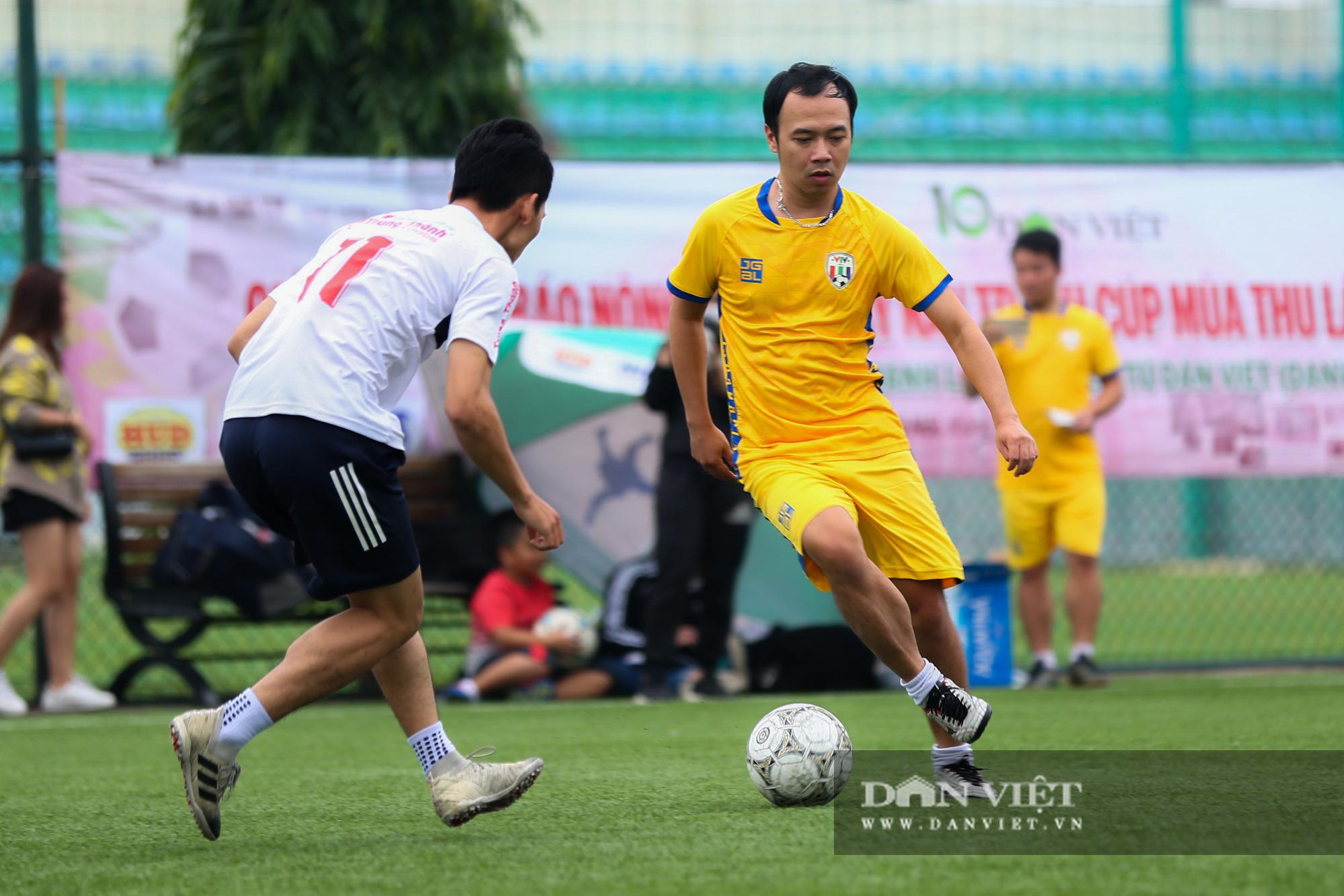 Khoảnh khắc lượt trận cuối cùng vòng bảng giải bóng đá báo NTNN/Dân Việt  - Ảnh 5.