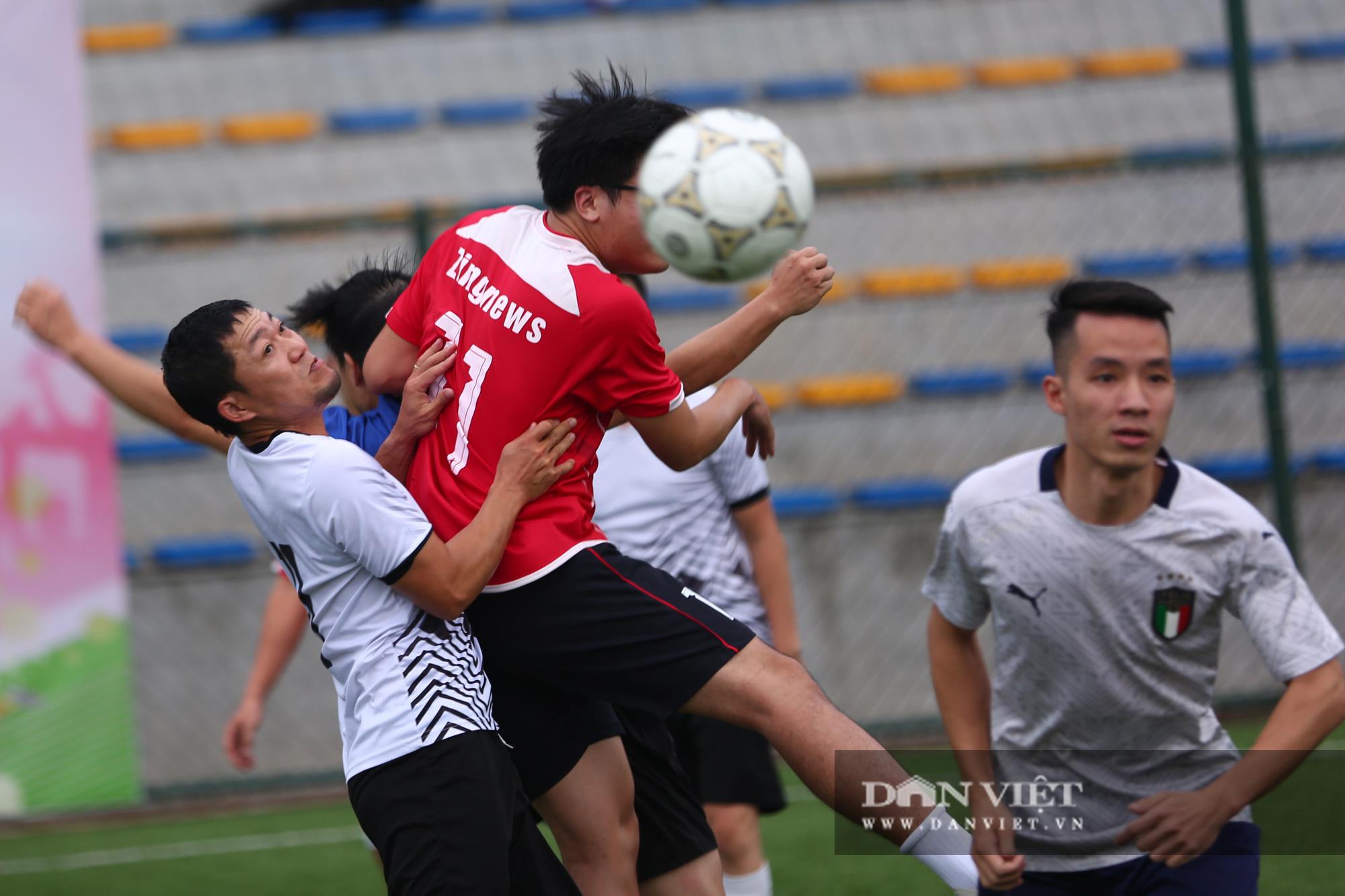 Khoảnh khắc lượt trận cuối cùng vòng bảng giải bóng đá báo NTNN/Dân Việt  - Ảnh 20.