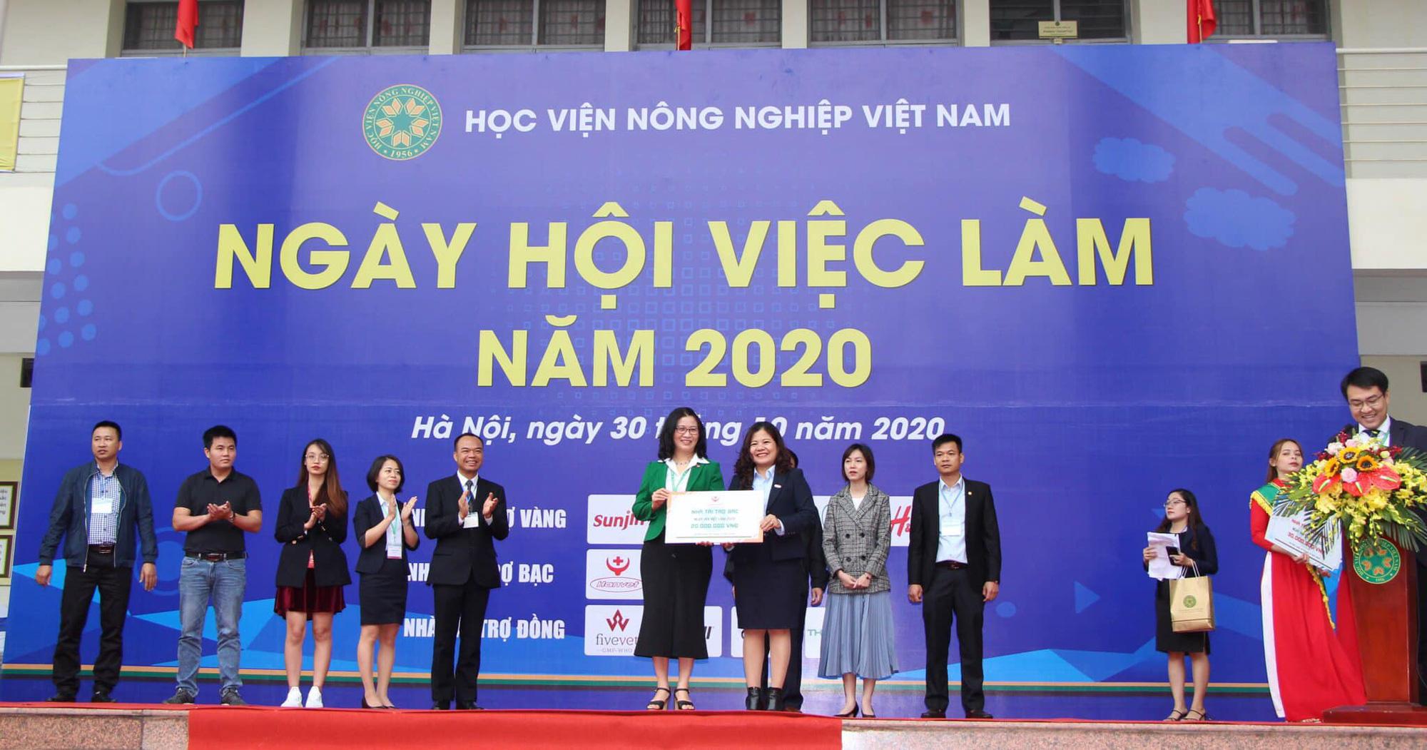 54 doanh nghiệp đổ về Học viện Nông nghiệp Việt Nam tuyển dụng 3.652 chỉ tiêu việc làm - Ảnh 1.