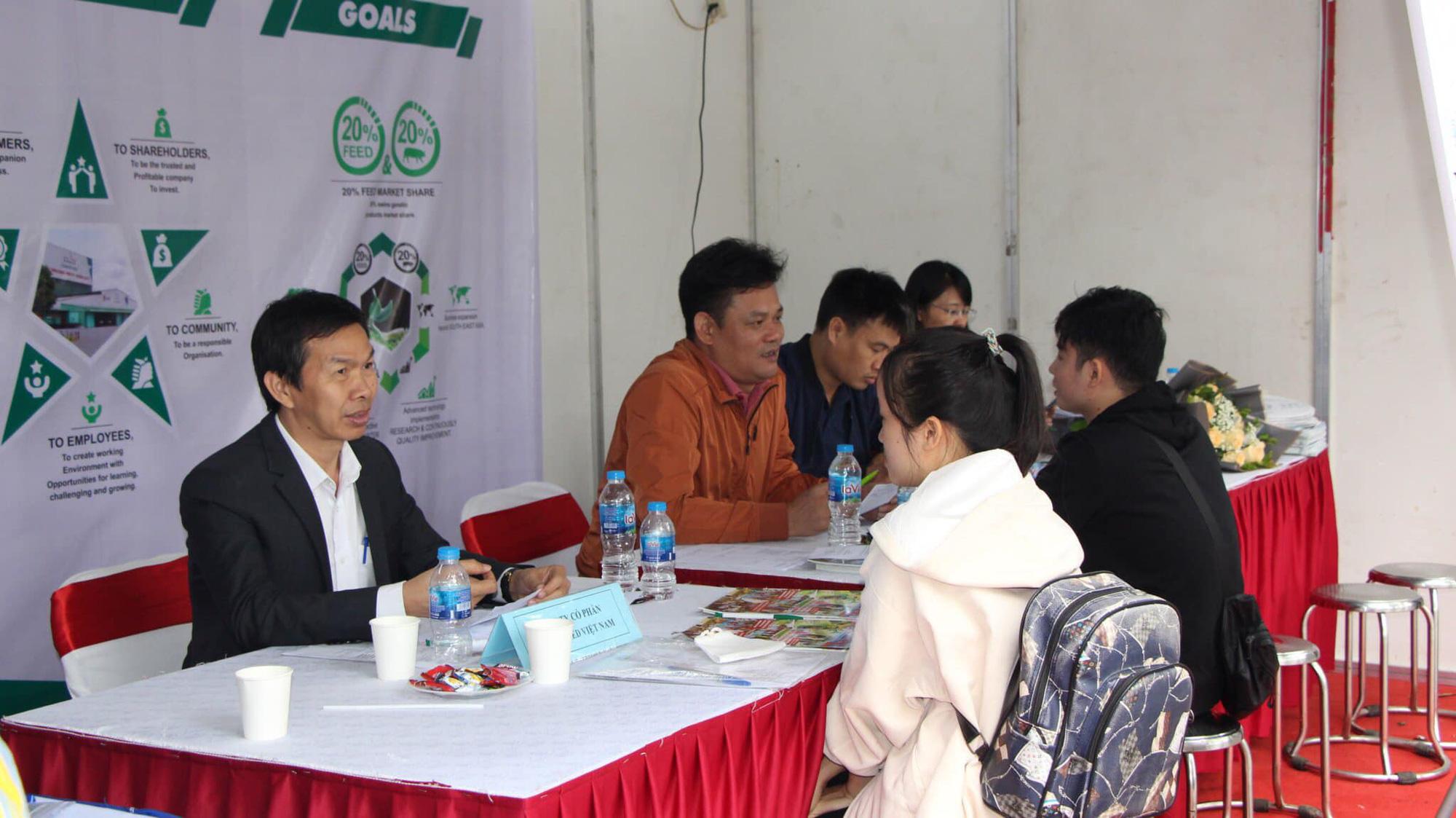 54 doanh nghiệp đổ về Học viện Nông nghiệp Việt Nam tuyển dụng 3.652 chỉ tiêu việc làm - Ảnh 2.