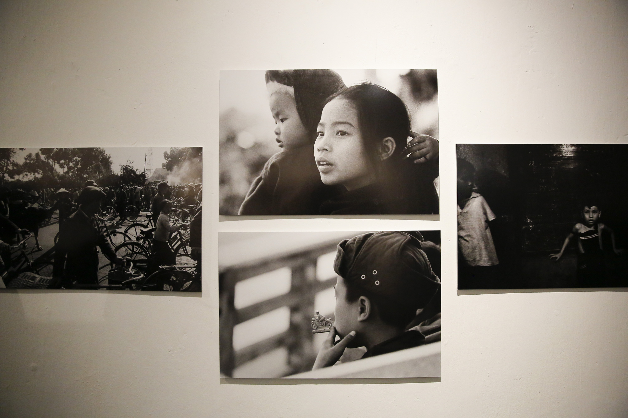 Đại sứ Đức tại Việt Nam tham dự triển lãm ảnh đặc biệt về Hà Nội - Ảnh 19.