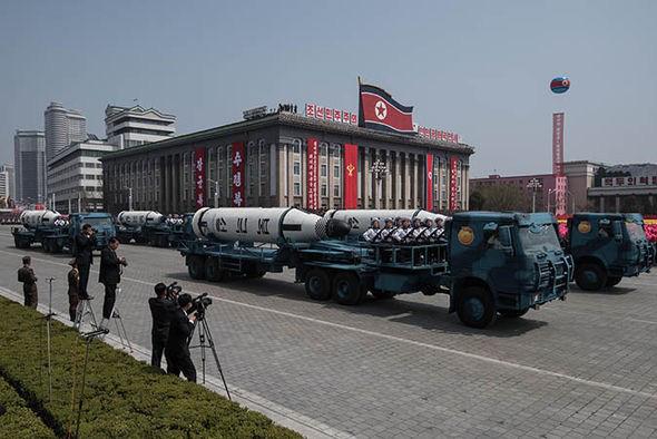 Triều Tiên hiện có trong tay bao nhiêu đầu đạn hạt nhân? - Ảnh 2.