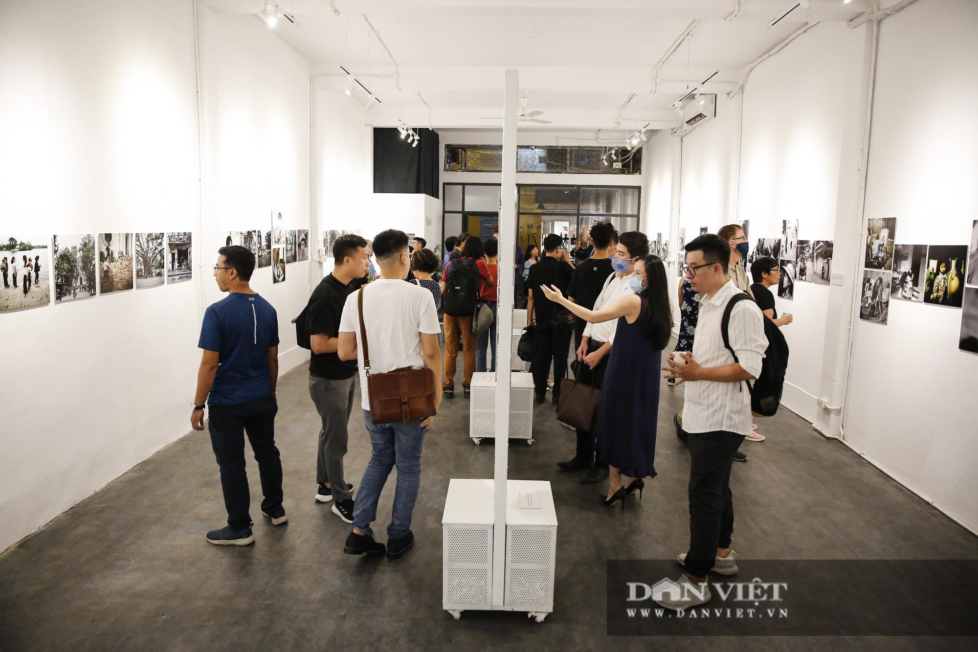 Đại sứ Đức tại Việt Nam tham dự triển lãm ảnh đặc biệt về Hà Nội - Ảnh 11.