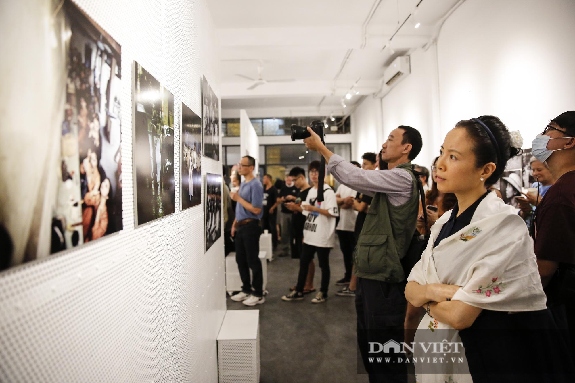 Đại sứ Đức tại Việt Nam tham dự triển lãm ảnh đặc biệt về Hà Nội - Ảnh 3.