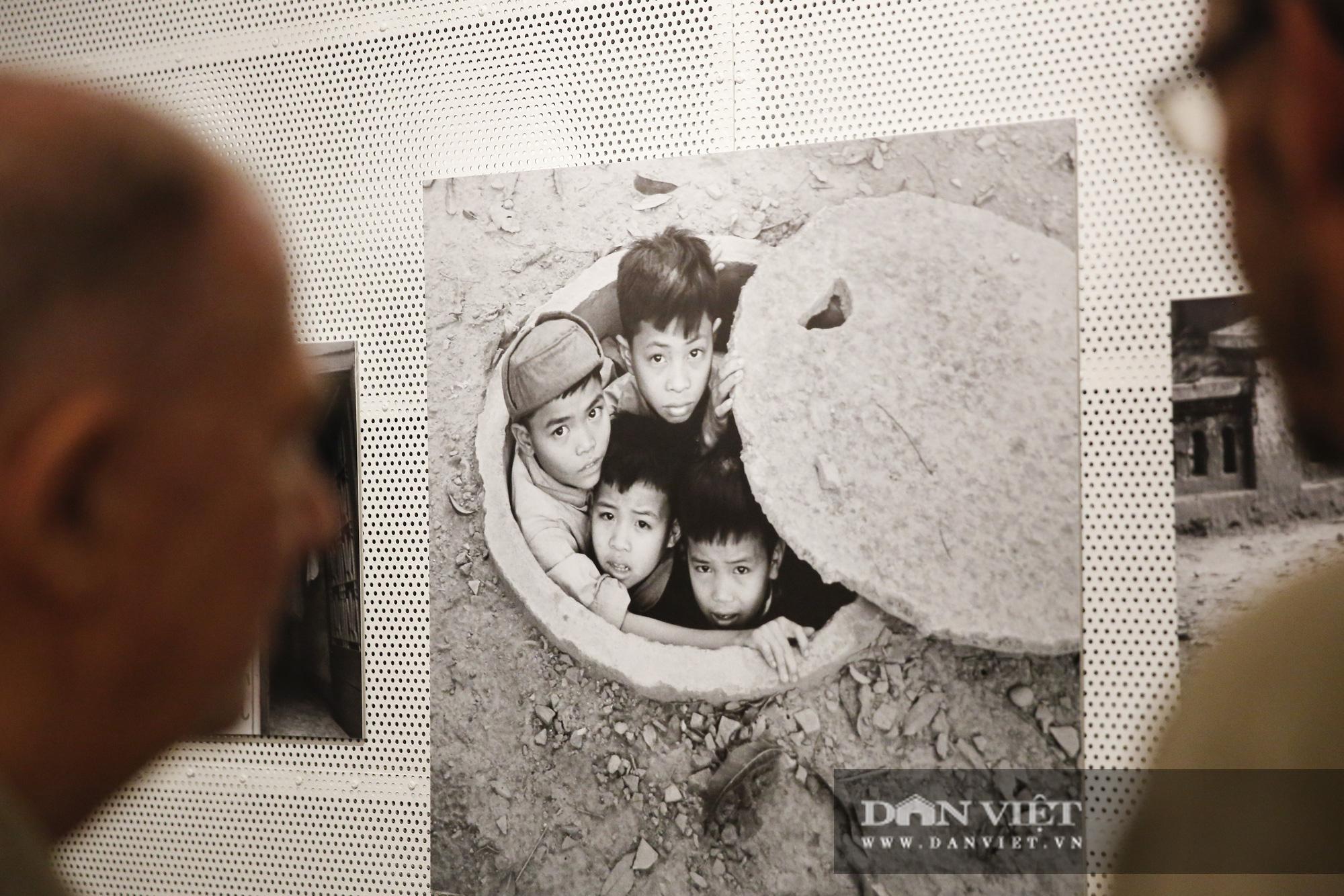 Đại sứ Đức tại Việt Nam tham dự triển lãm ảnh đặc biệt về Hà Nội - Ảnh 4.