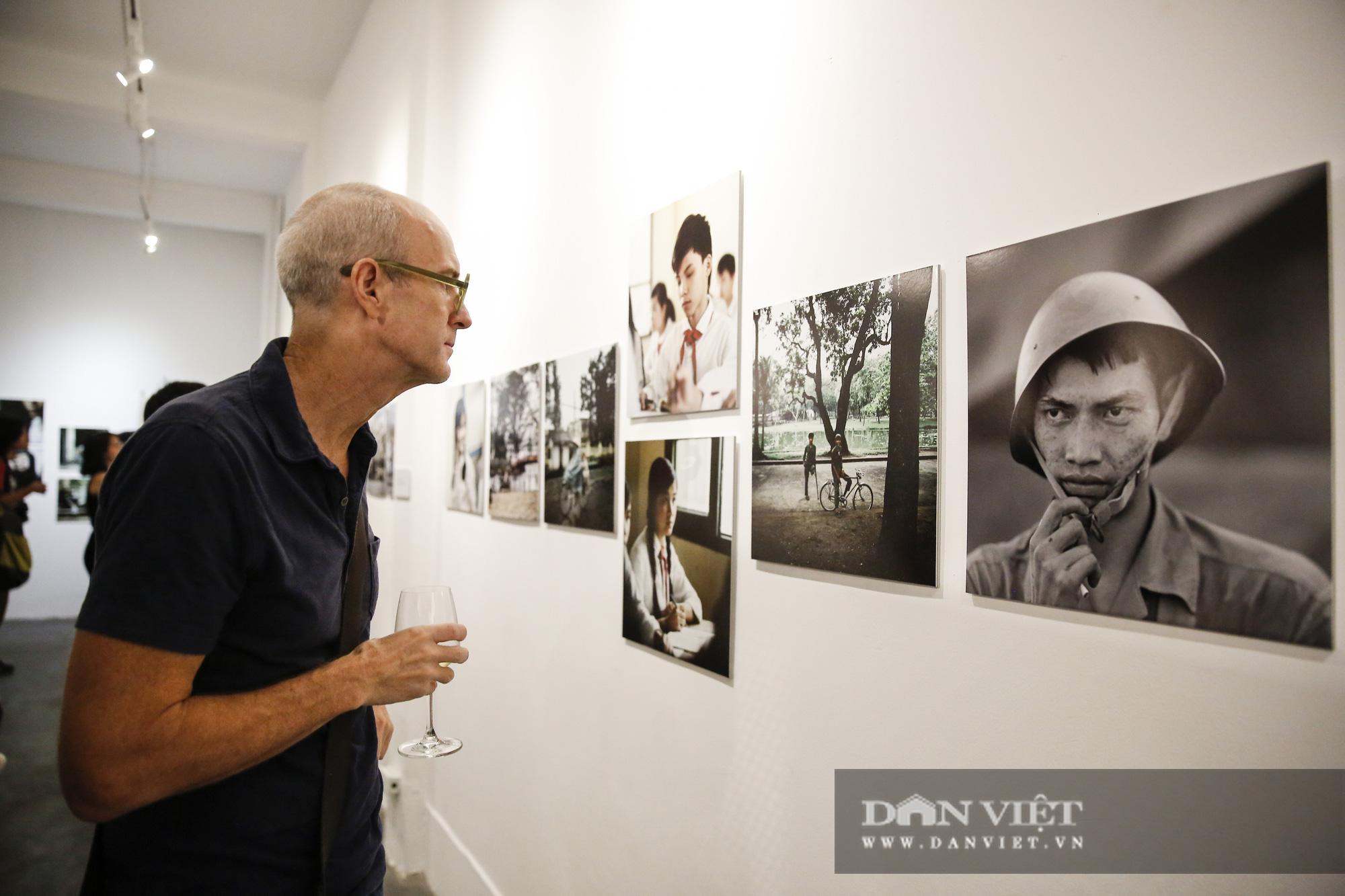 Đại sứ Đức tại Việt Nam tham dự triển lãm ảnh đặc biệt về Hà Nội - Ảnh 6.
