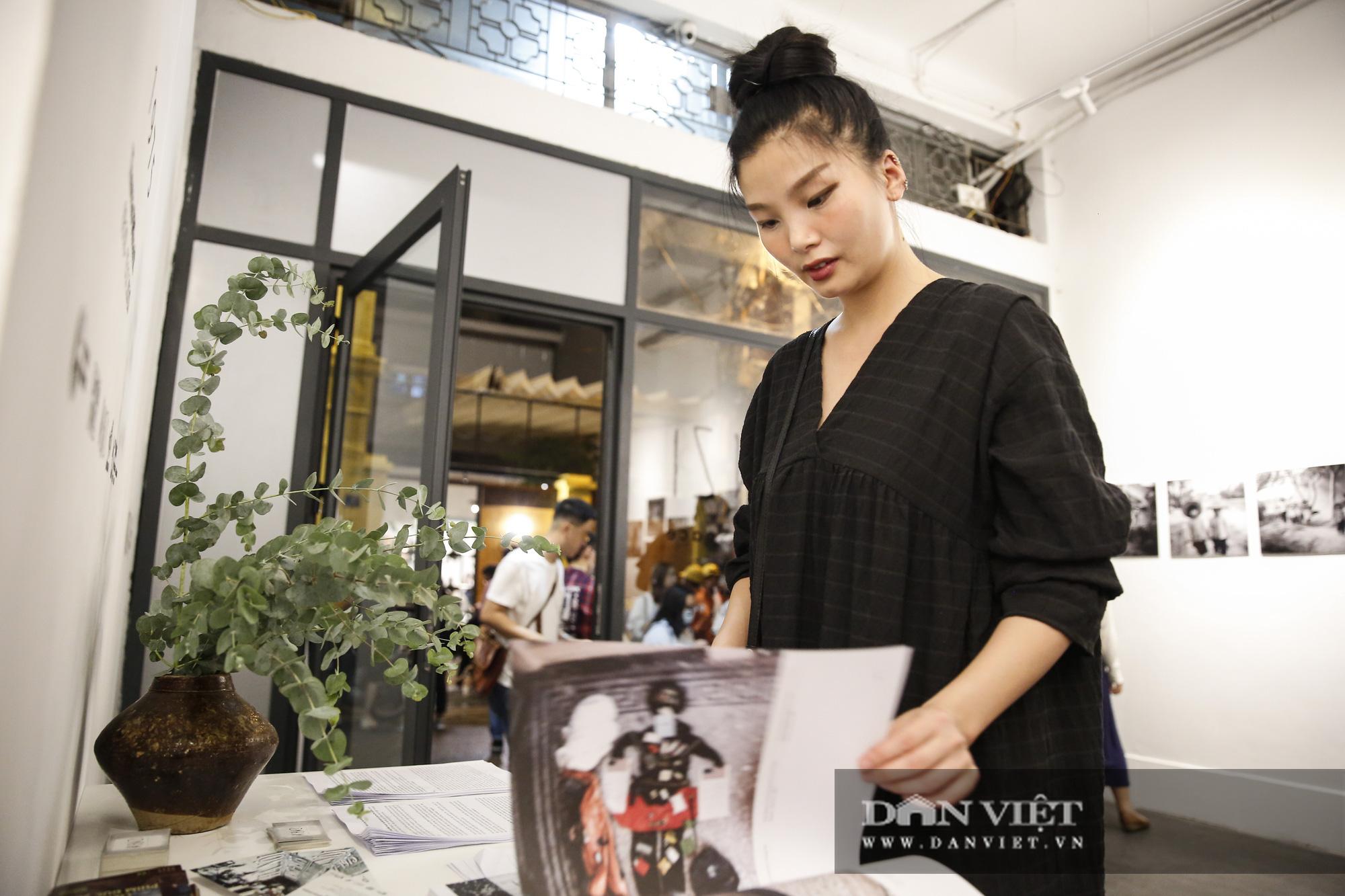 Đại sứ Đức tại Việt Nam tham dự triển lãm ảnh đặc biệt về Hà Nội - Ảnh 7.