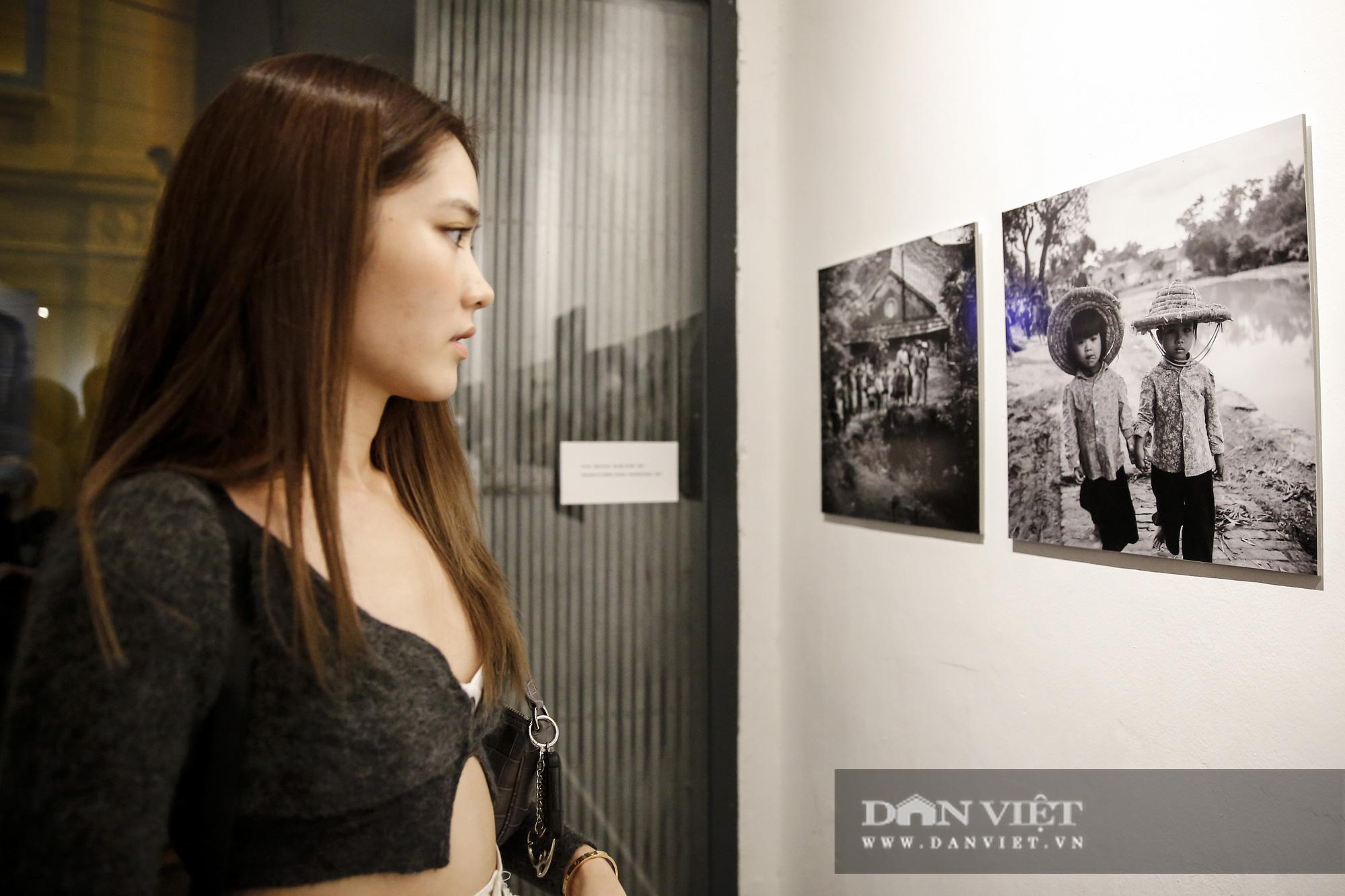 Đại sứ Đức tại Việt Nam tham dự triển lãm ảnh đặc biệt về Hà Nội - Ảnh 9.