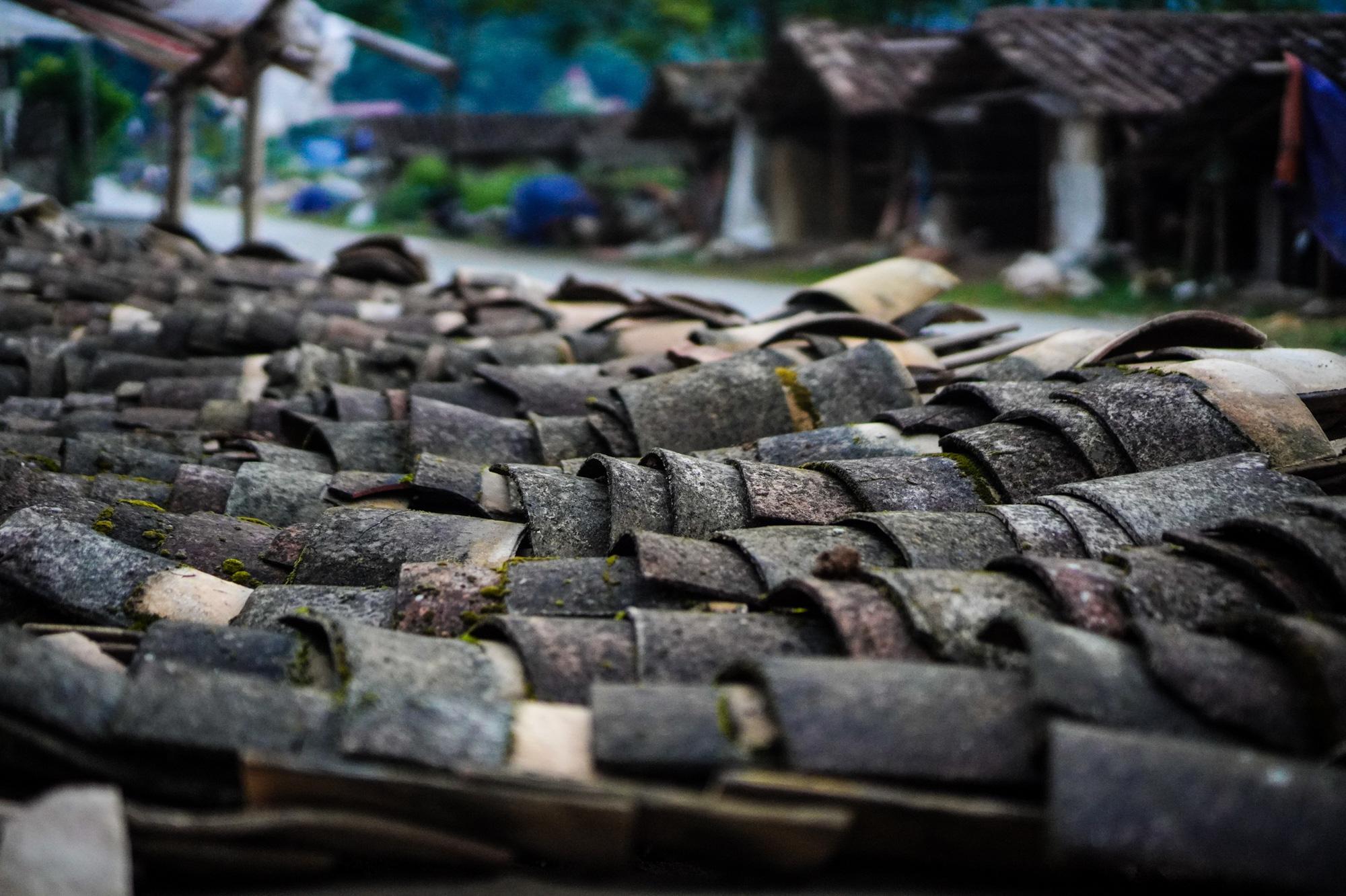 Ngôi làng cuối cùng giữ nghề làm ngói lưu ly ở miền biên viễn Lạng Sơn - Ảnh 2.