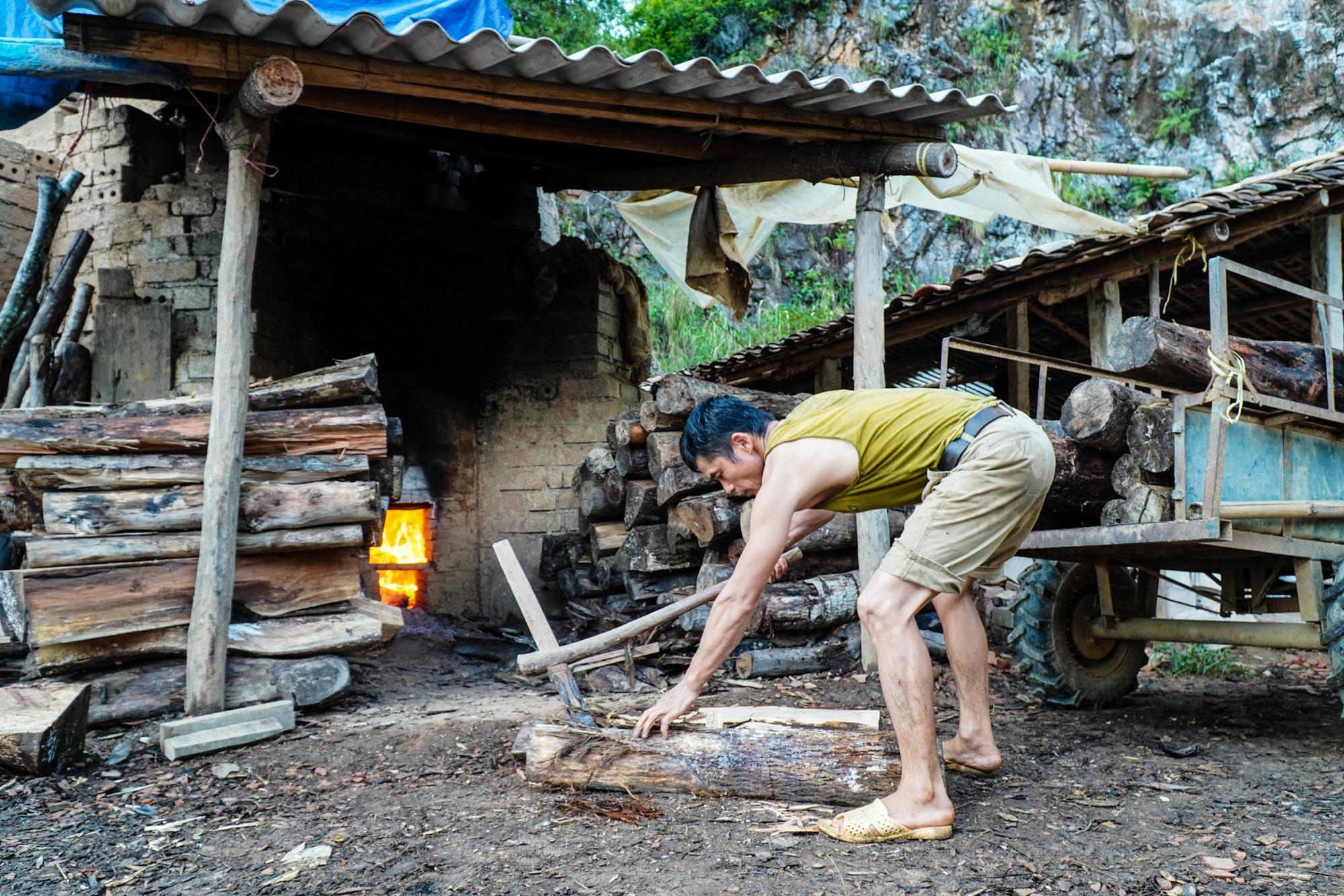 Ngôi làng cuối cùng giữ nghề làm ngói lưu ly ở miền biên viễn Lạng Sơn - Ảnh 3.