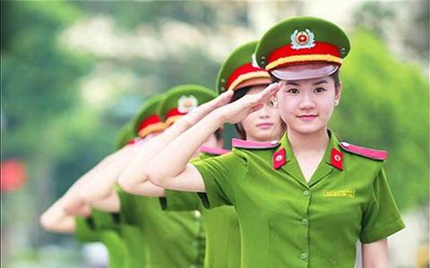 Điều kiện hưởng lương hưu của Công an, Quân đội từ 2021 - Ảnh 1.