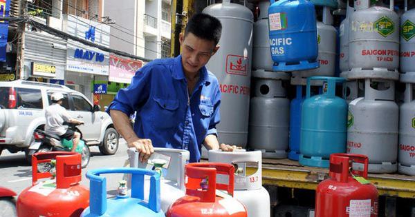 Vì sao giá gas tăng nhưng đại lý vẫn giảm cả trăm nghìn, còn tặng đường, dầu ăn? - Ảnh 1.