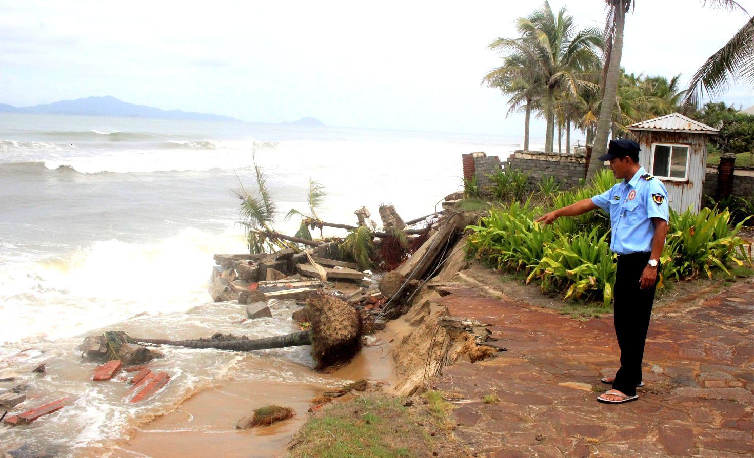 Quảng Nam: 200 tỷ đồng chống xói lở khẩn cấp bờ biển Cửa Đại - Ảnh 1.