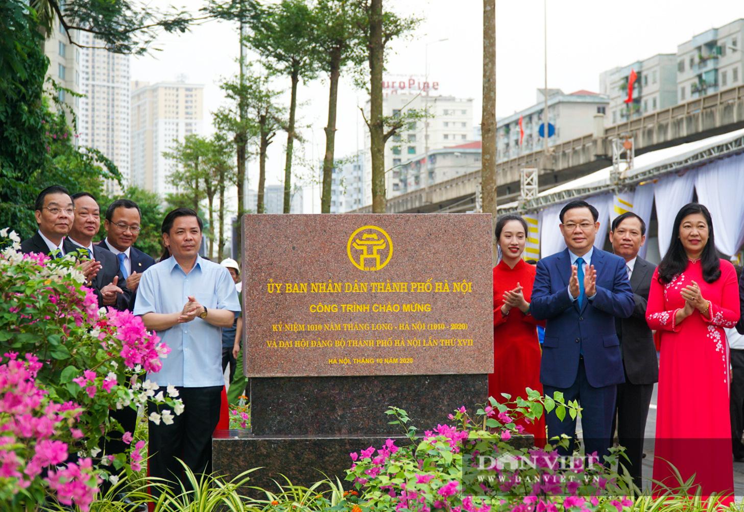 Tân chủ tịch Hà Nội cùng bộ trưởng Nguyễn Văn Thể dự lễ thông xe qua hồ Linh Đàm - Ảnh 3.