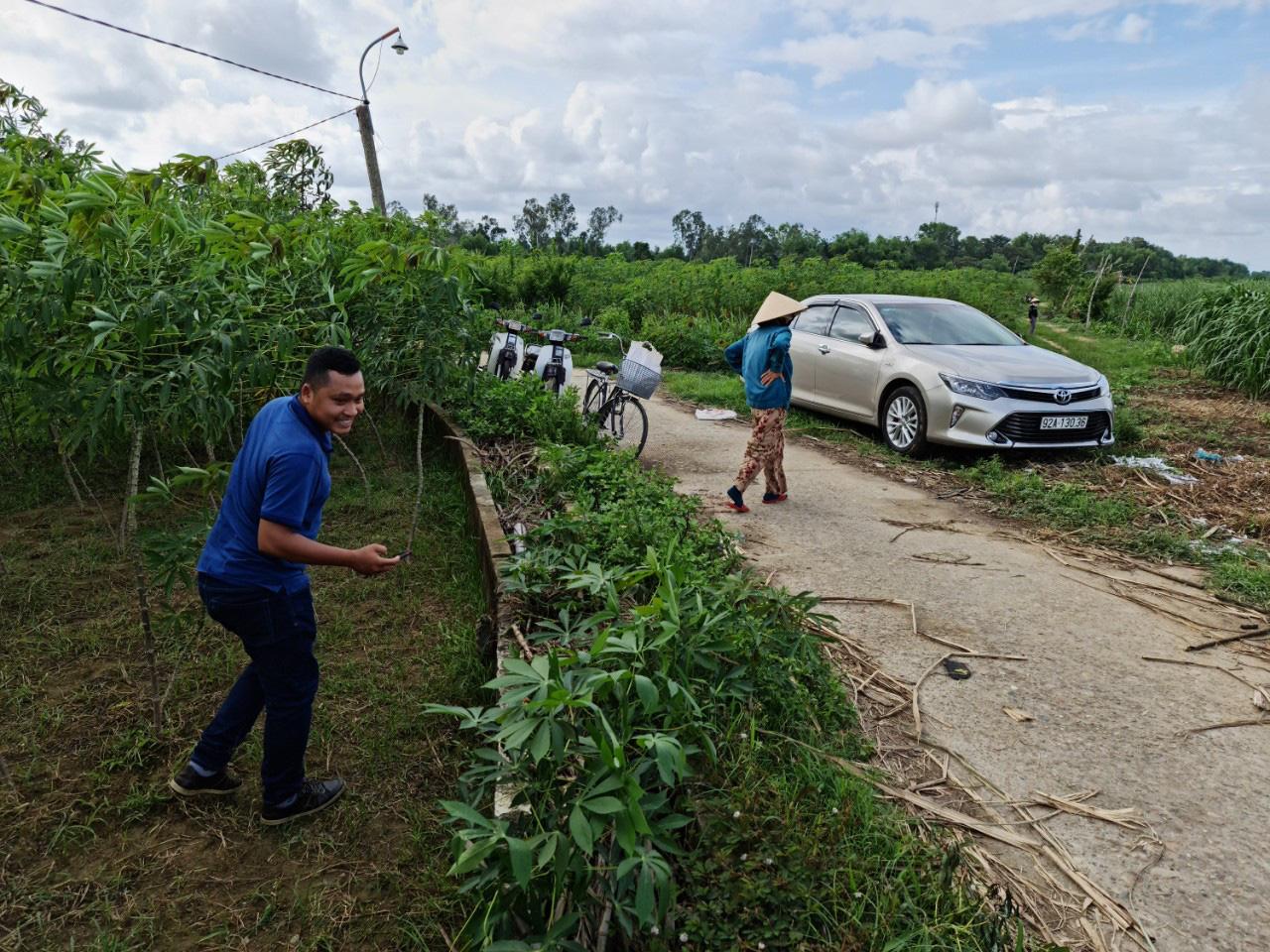Quảng Nam: Kênh thủy lợi hàng trăm triệu đồng chỉ để chứa rác, trồng cỏ cho bò - Ảnh 1.