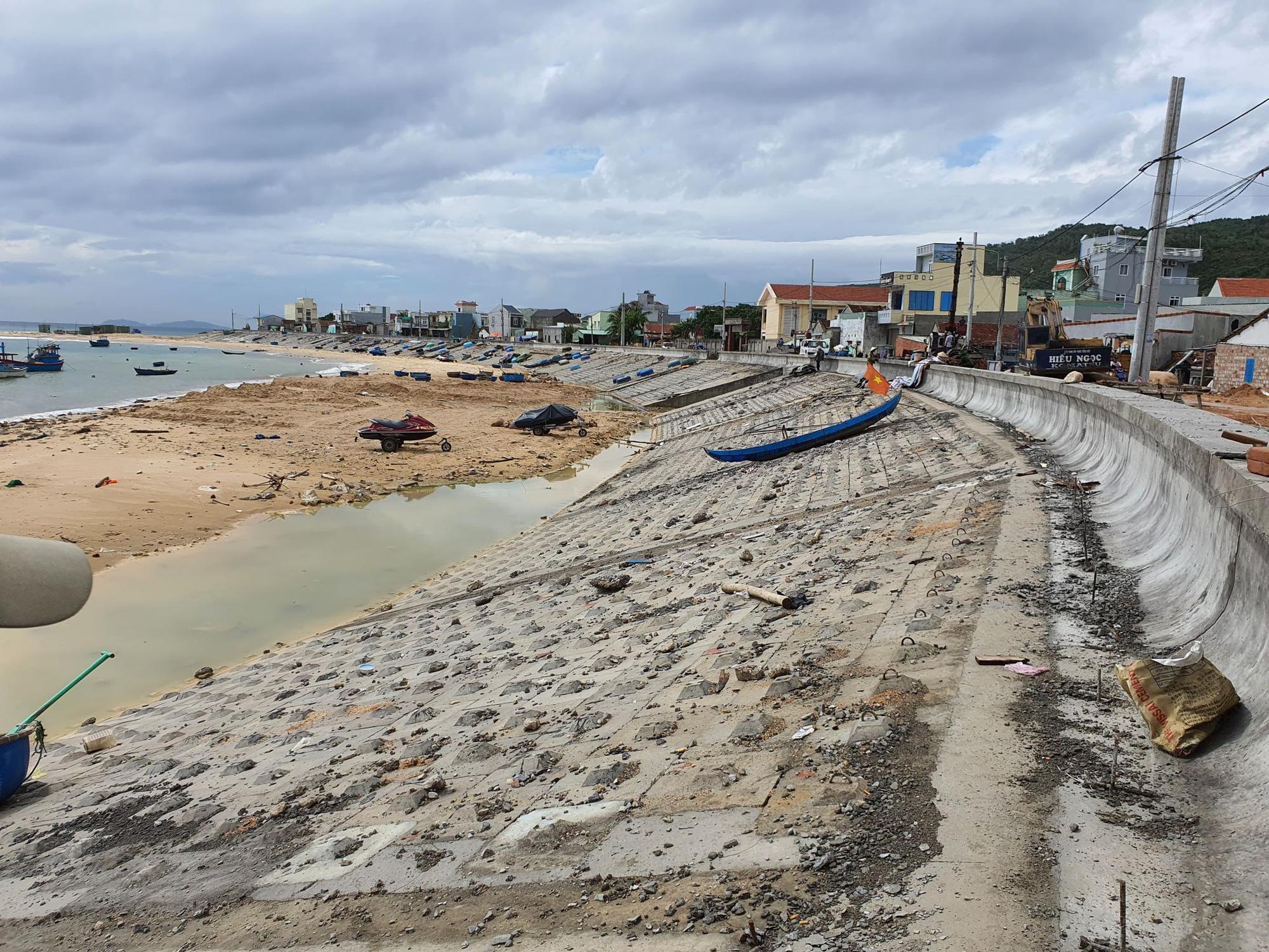 """Bình Định: """"Chạy đua""""… xây dựng kè biển 99 tỷ đồng bảo vệ cả làng chài - Ảnh 3."""