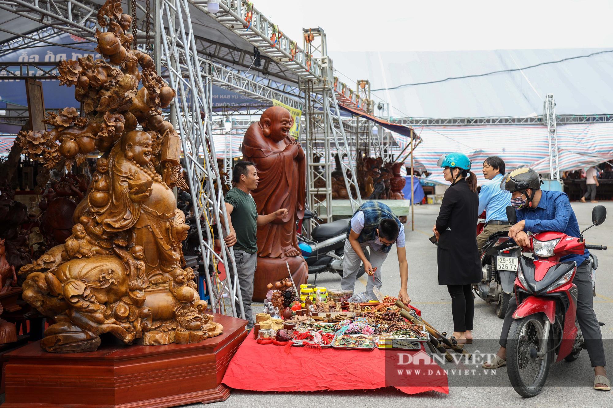 Ngỡ ngàng khúc gỗ 10 tỷ đồng ở hội chợ đồ gỗ Hà Nội - Ảnh 2.