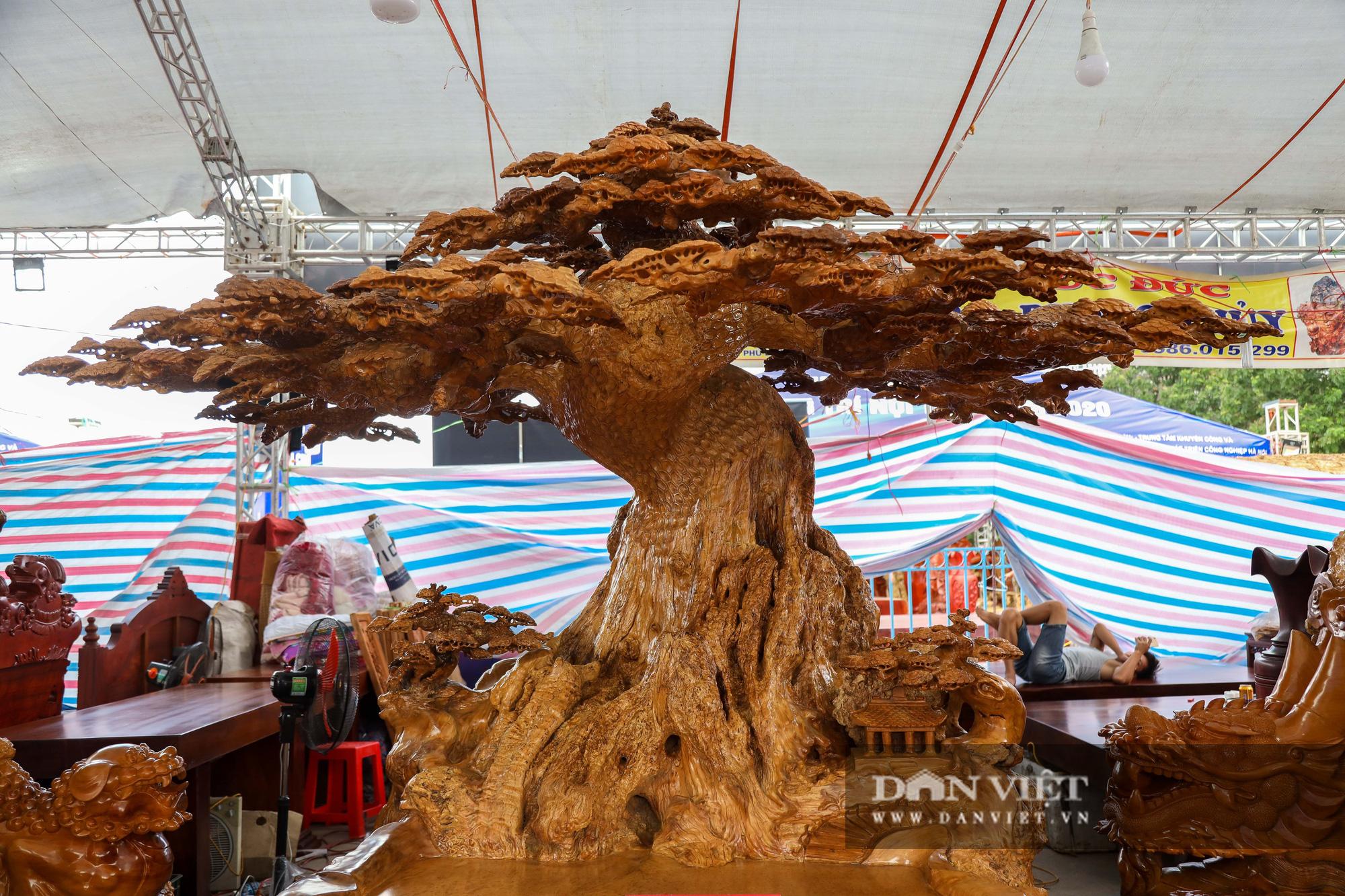 Ngỡ ngàng khúc gỗ 10 tỷ đồng ở hội chợ đồ gỗ Hà Nội - Ảnh 10.