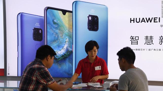 Nhóm tội phạm Trung Quốc hô biến điện thoại cũ thành smartphone Huawei, nửa năm bán hơn 7.000 chiếc - Ảnh 3.