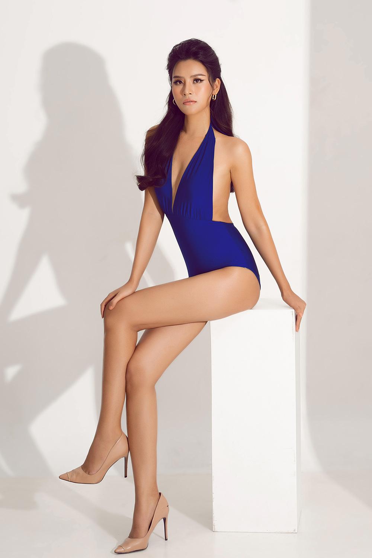 """Thái Thị Hoa nóng bỏng với bikini khoét hông táo bạo """"đốt mắt"""" trước thềm Hoa hậu Trái đất 2020 - Ảnh 7."""
