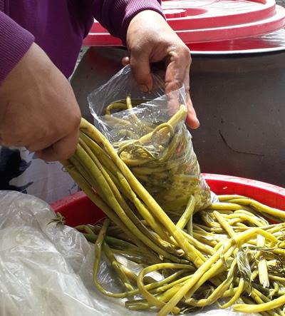 Lạ: Một loại rau dại được tôn vinh sản phẩm nông nghiệp tiêu biểu của TP.HCM - Ảnh 3.