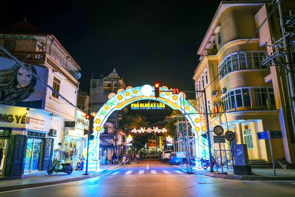Lạng Sơn: Kỳ vọng về tuyến phố đi bộ Kỳ Lừa thu hút hàng nghìn du khách   - Ảnh 1.