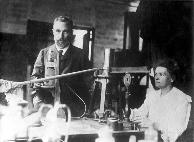 Người phụ nữ duy nhất trong lịch sử được trao 2 giải Nobel là ai? - Ảnh 3.