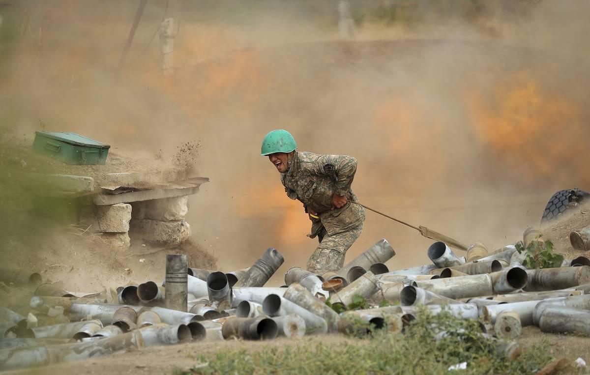 Nóng chiến sự Armenia- Azerbaijan: Putin tuyên bố khẩn cấp - Ảnh 1.