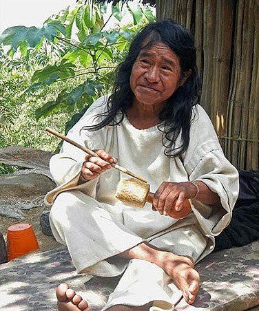 Bộ tộc sống giữa rừng sâu nhưng biết hết mọi việc khắp thế giới - Ảnh 11.