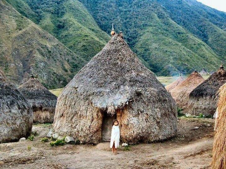 Bộ tộc sống giữa rừng sâu nhưng biết hết mọi việc khắp thế giới - Ảnh 5.
