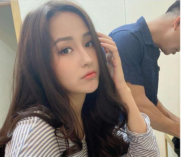 Mai Phương Thúy bị chỉ trích mặc đồ ngắn cũn cỡn, phản cảm khi gặp gia đình Noo Phước Thịnh - Ảnh 2.