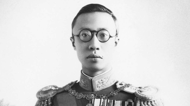 Cuộc đời bi thảm của Hoàng đế Trung Hoa cuối cùng của lời kể của cháu trai - Ảnh 2.