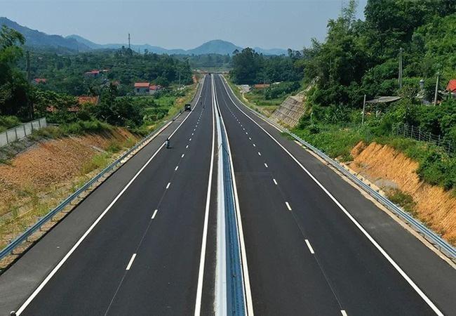 Bộ trưởng Nguyễn Chí Dũng nói gì về ý kiến đường cao tốc phía Bắc nhiều hơn phía Nam? - Ảnh 2.