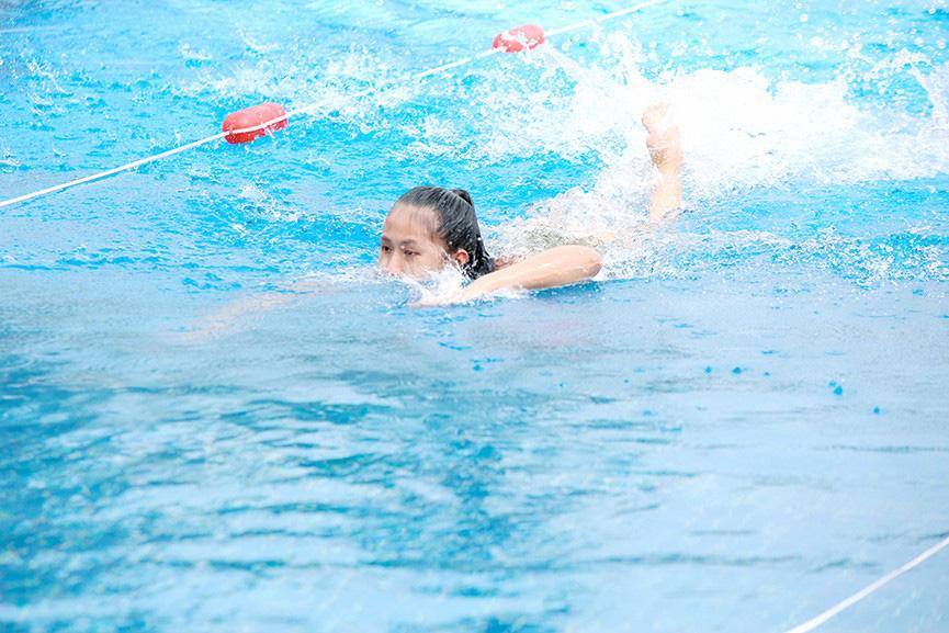 """Mỹ nhân xứng danh """"kình ngư"""" Hoa hậu Việt Nam 2020: 10 huy chương bơi lội, dáng gợi cảm hút mắt  - Ảnh 5."""
