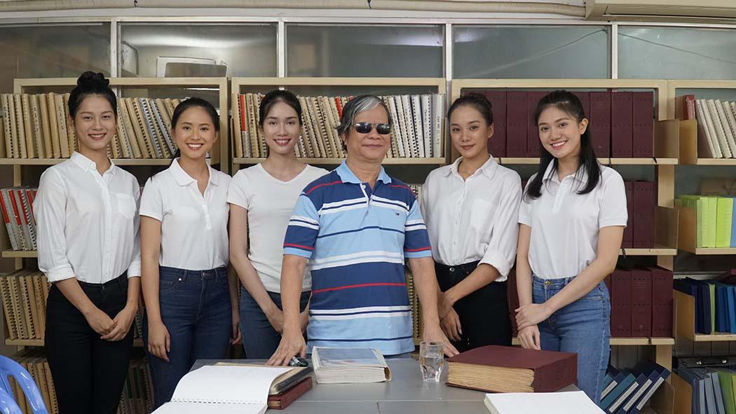 Thí sinh Hoa hậu Việt Nam cảm phục thầy giáo khiếm thị giàu nghị lực  - Ảnh 3.