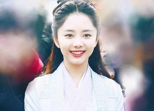 """4 mỹ nhân cổ trang Trung Quốc đời thường: Lý Thấm đẹp tựa nữ thần, Đàm Tùng Vận """"hack tuổi"""" như gái 18 - Ảnh 11."""
