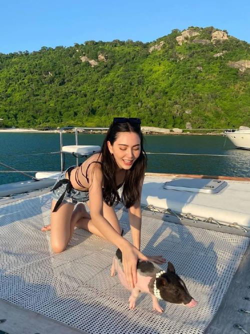 """""""Ma nữ đẹp nhất Thái Lan"""" gây """"sốt"""" vì ngoài đời mặc nội y quyến rũ hút trên du thuyền - Ảnh 5."""