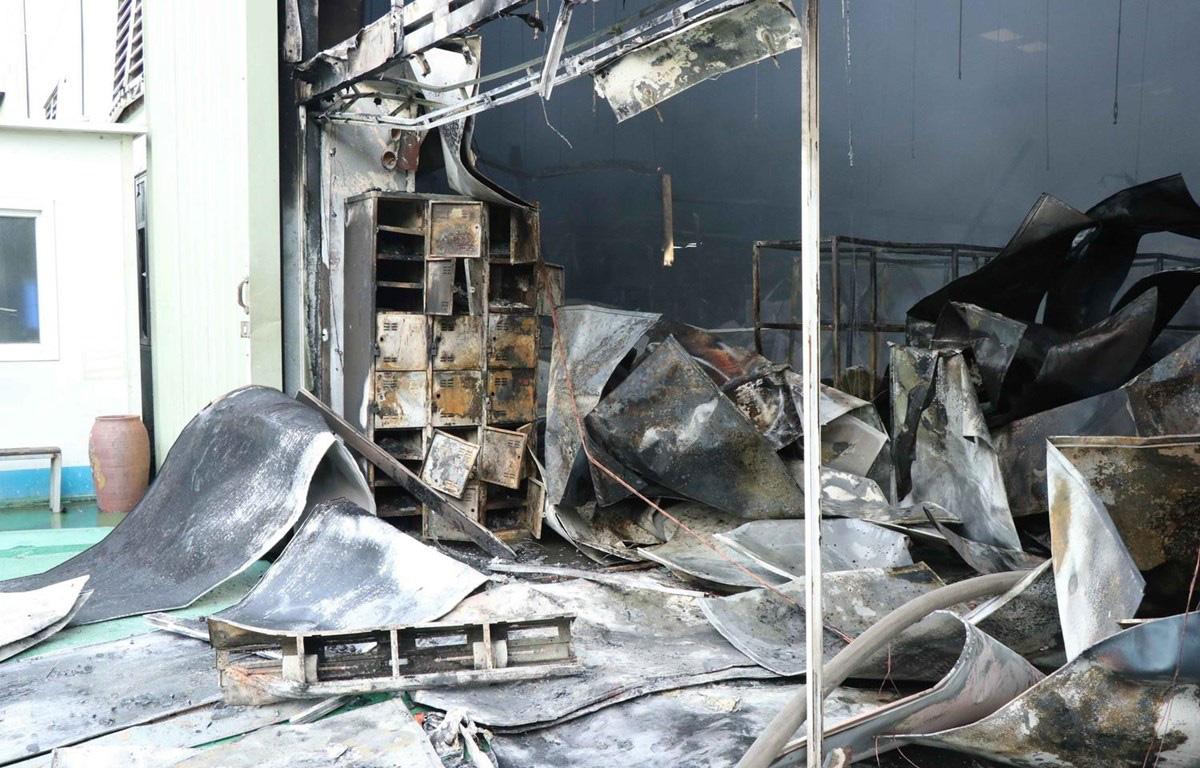 Bắc Ninh: Cháy trong khu công nghiệp, một nhà xưởng bị thiêu rụi - Ảnh 2.