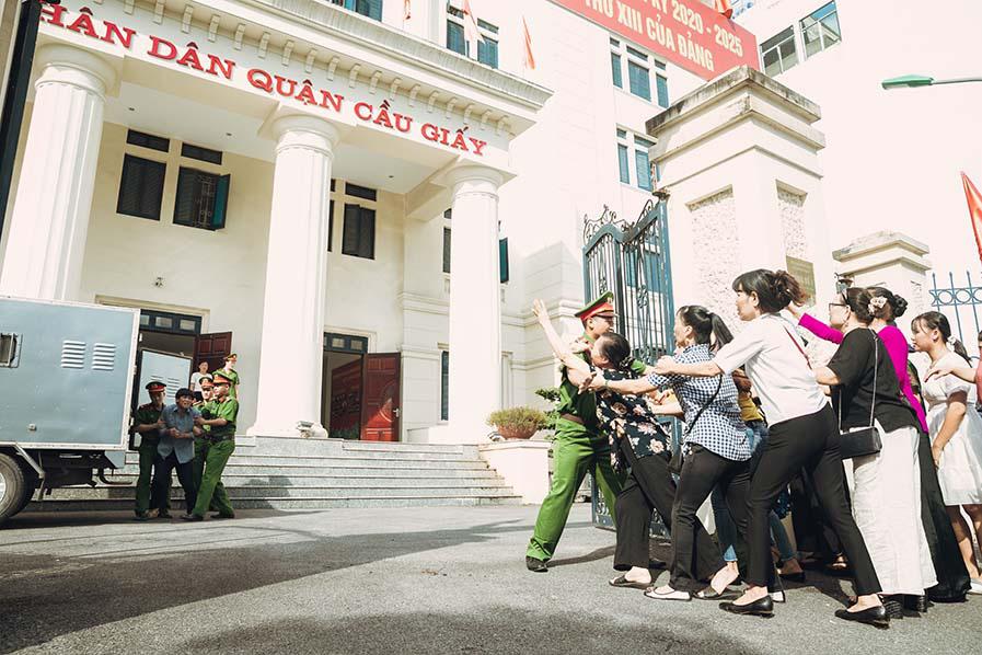 """Sao Mai Huyền Trang """"hoá"""" thành cảnh sát hình sự trong phim ca nhạc """"Nắng lên bên mẹ""""  - Ảnh 1."""